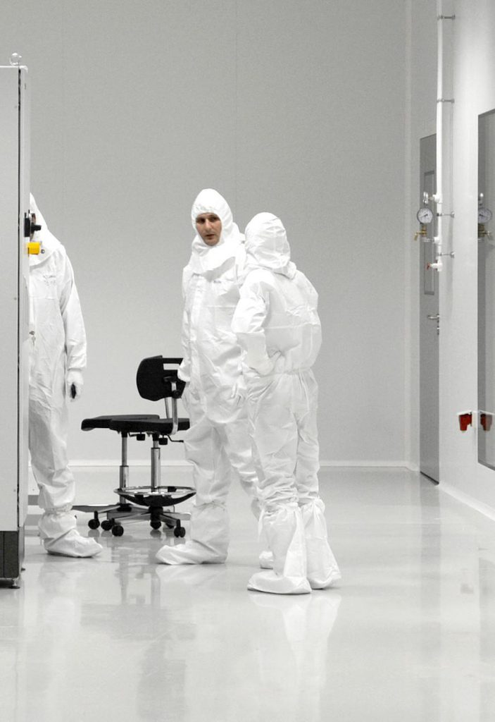 Technical assistance in construction of ZMAJ cleanroom